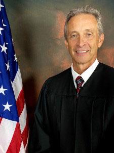judge dan r mosley - Judge Dan R Mosley accused of Corruption in Coach Houses at Leesburg Scandal